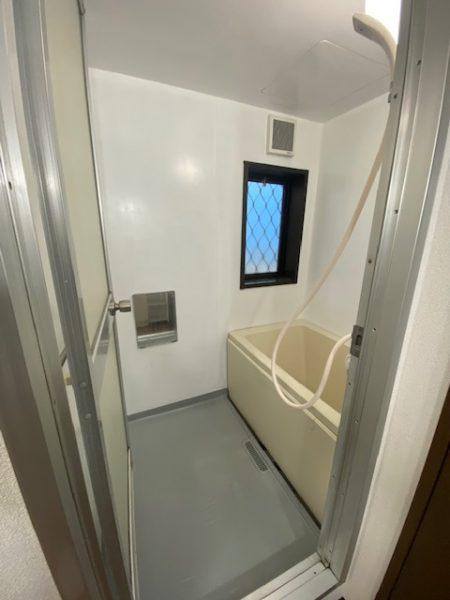 賃貸アパート 浴室塗装工事